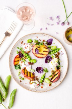 food-photography-styling-summer-salad-peaches-peas